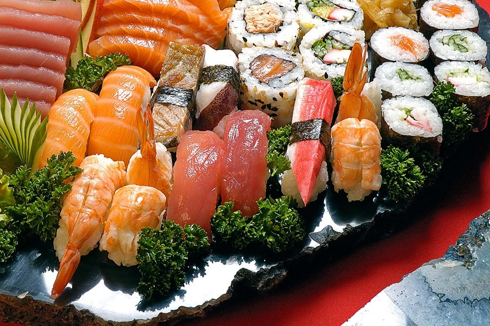 Sushi platter - fujiyamabristol.co.uk ©2016